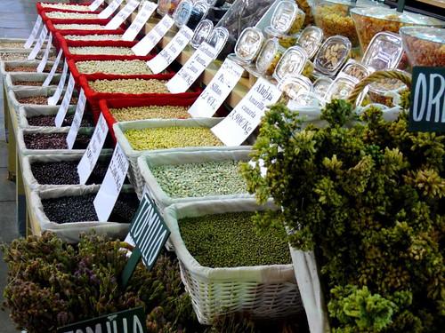 Legumbres en el mercado de Triana