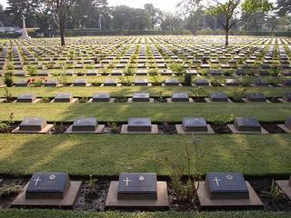 Dutch war graves Kanchanaburi (Thailand 2003)