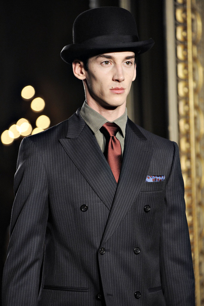 FW12 Milan Moschino060_Andrey Smidl(VOGUE)