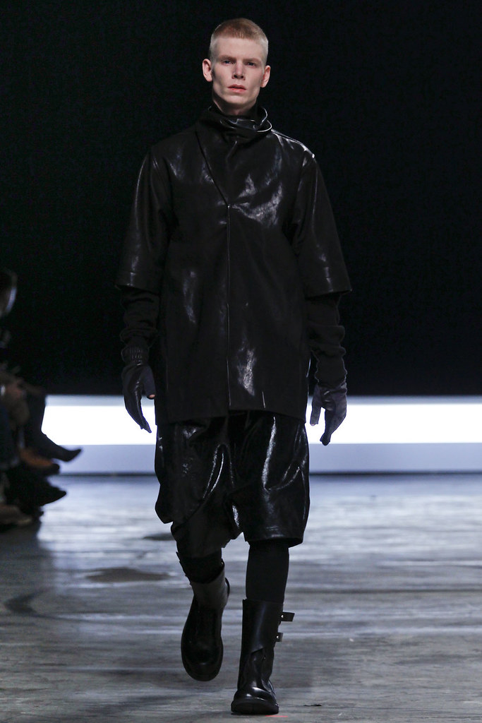 FW12 Paris Rick Owens032(VOGUE)