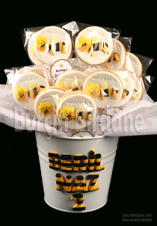 Maya the bee cookies