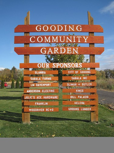 Gooding Community Garden sign.