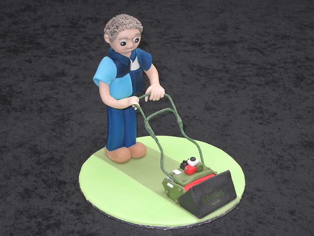 How To Make A Lawn Mower Cake Topper