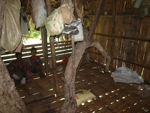 дом на дереве интерьер1