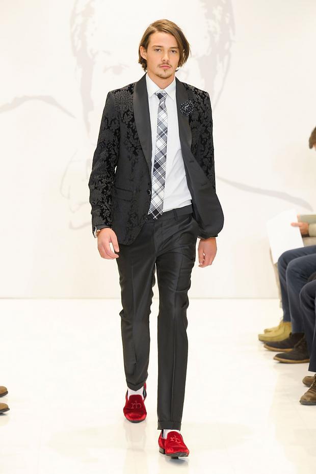 Rob Moore3368_FW12 Milan Roccobarocco(fashionising.com)