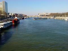 bateau far west in Paris douze