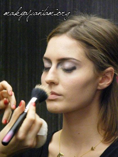 glitter ice makeup_1