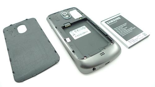 Tutup batere, bagian belakang, dan batere