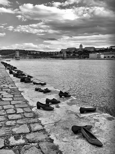 Budapest-Danubio-Shoes-Conmemoración-AtmósferaCine