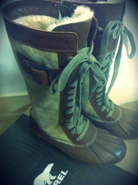 感謝Sorel送來的皮靴,毛茸茸的,很暖哦!• •