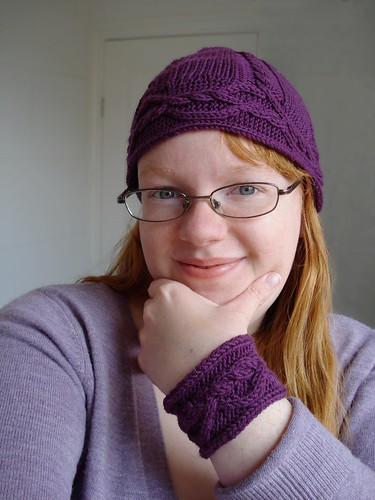 Twisty cabled wristband and matching hat set Interwoven knitcircus joyuna