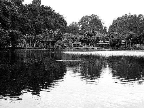 IMG_0117 Gunung Lang in black and white, 黑白崑崙浪