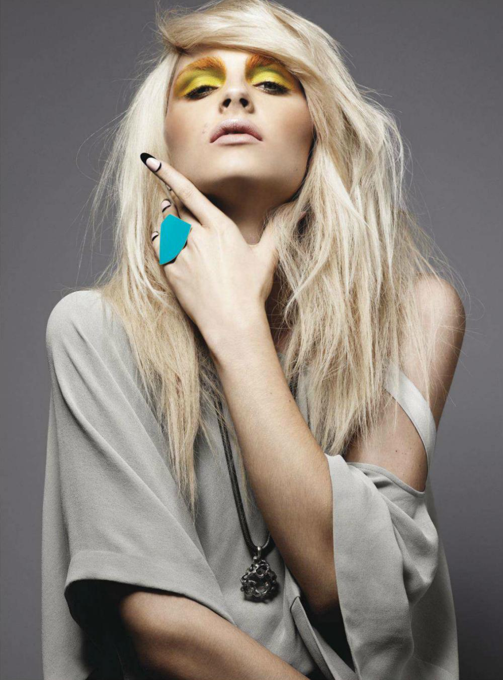 Andrej Pejic0531_Fashion Magazine Canada February 2012