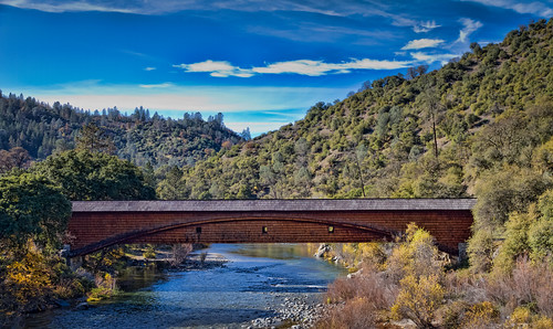 bridge northerncalifornia river landscape scenery coveredbridge yubariver bridgeportca bridgeportcoveredbridge nevadacountyca canon7d