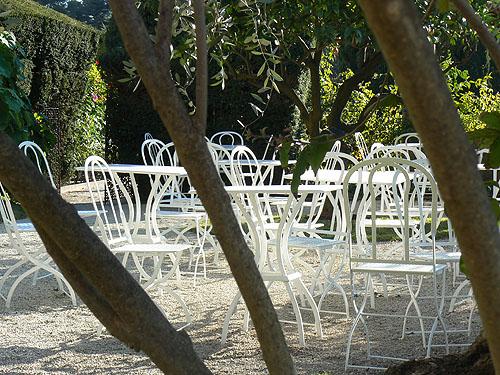 Ephrussi salon de jardin.jpg