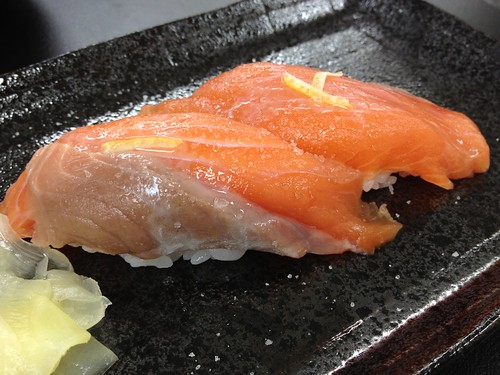 羅臼産鮭児のにぎり