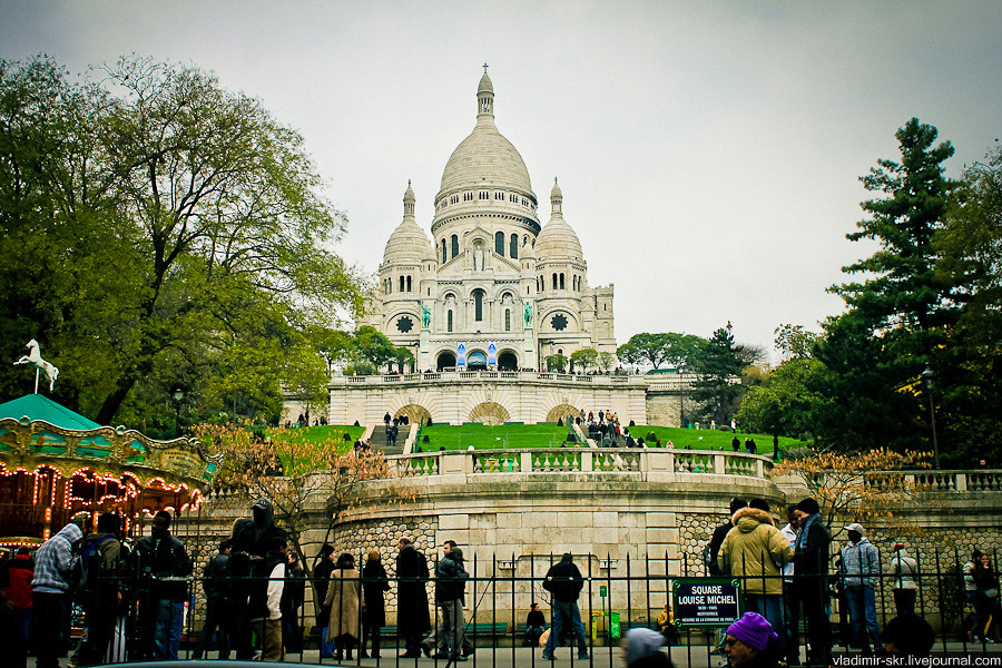 Basilica of the Sacred Heart of Paris, view from square Louise Michel