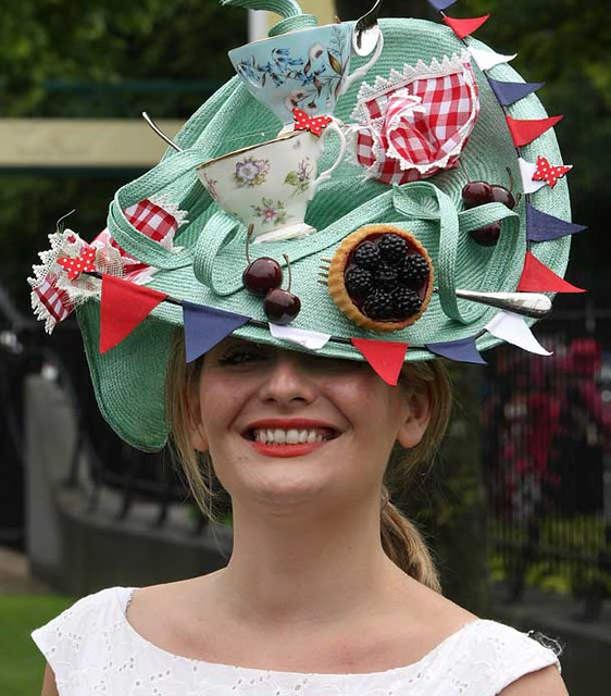 image-2-for-ladies-day-at-royal-ascot-2011-gallery-392418897