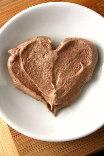 Low Fat Valentine's Day Chocolate Meringue Hearts