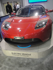 automobile(1.0), tesla(1.0), automotive exterior(1.0), tesla roadster(1.0), vehicle(1.0), automotive design(1.0), bumper(1.0), land vehicle(1.0), supercar(1.0), sports car(1.0),