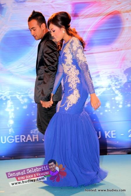 Shila Amzah & Sharnaaz Ahmad
