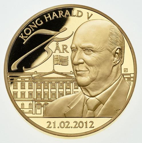 Kong Harald V 75 år jubileumsmedalje