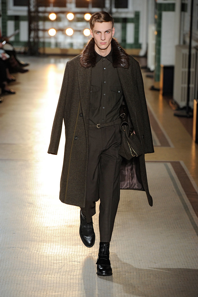 Antoine Des Beauvais3020_FW12 Paris Wooyoungmi(VOGUE)