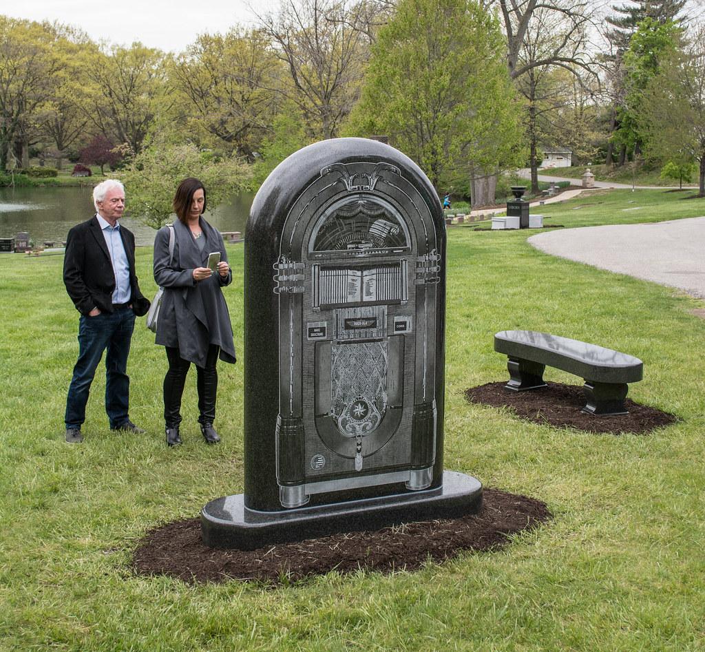 Lance Freed - Alan Freed memorial dedication - Lake View Cemetery - 2016-05-07