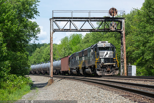 railroad us unitedstates pennsylvania ns trains un prr gallitzin pennsysignalbridge prrbridge nspittsburghline prrsignalbridge emdsd40e ns6330 ns64r nscpun