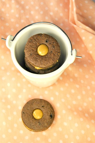 Chocolate Cookies with Cappuccino Ganache