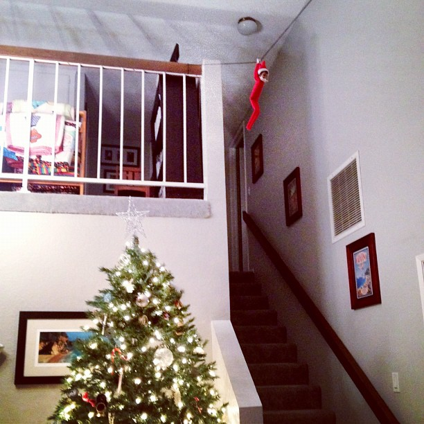 Zip Line Elf on the Shelf. Click for more ideas! #elfontheshelf