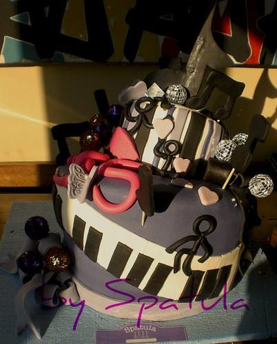 Musik dolu 35 sene doğum günü pastası - Zeynep Alasya by Demetin spatulasi