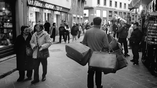 El vendedor de bolsos
