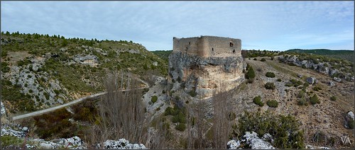 Panoramic view of Arbeteta's castle (Guadalajara, Spain) / Vista panoramica del castillo de Arbeteta (Guadalajara)