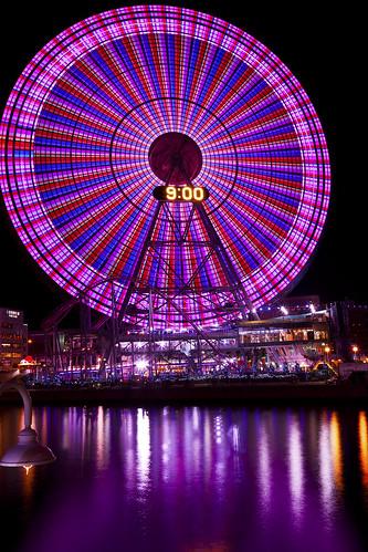 japan sunrise tokyo fireworks newyear 日本 東京 yokohama bigwheel minatomirai 横浜 newyeareve firstlight 花火 正月 初日の出 みなとみらい 日の出 大観覧車 cosmoclock newyearday firstsunrise コスモクロック コスモワード
