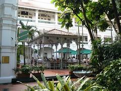 The Raffles hotel courtyard (Singapore 2007)
