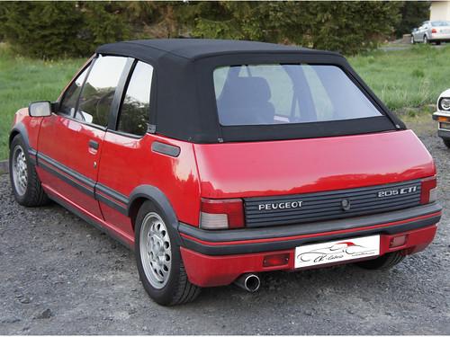 Peugeot-205-(1986-95)_rot_schw_original_3