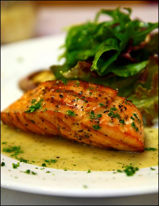 Verona Trattoria grilled-salmon