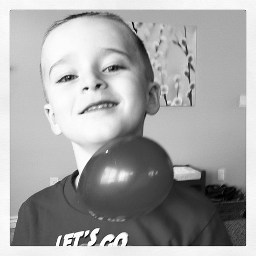 Who knew all he needed to be happy was a balloon and some static electricity.