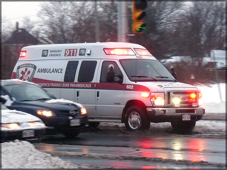 P1220626_ambulance