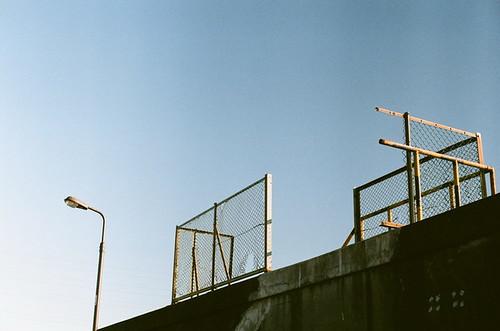 Wire, levee