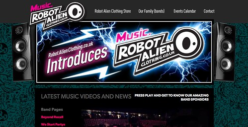 Music.RobotAlienClothing