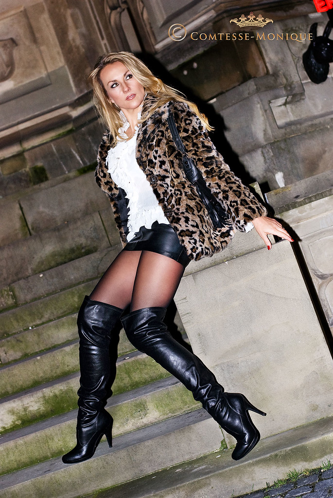 Thigh boots pantyhose short skirts
