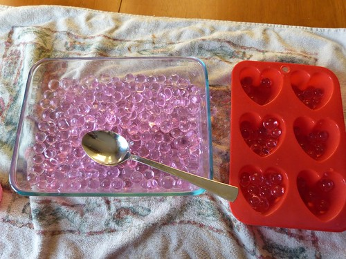 Valentine's Day Water Bead Transfer (Photo from Jada Roo Can Do)