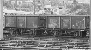 MCV B552942 & MXV B571355 at Bescot
