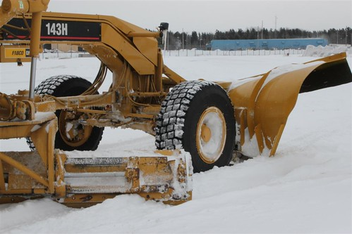 Airport Cat Grader 1-13-2012 016  by JimM2366