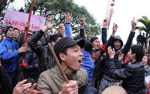 6794336733 9e36d82b4f Lễ hội Chạy lợn ở Hà Nội Nóng bừng 3 phút mổ lợn khao quân