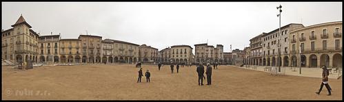 Plaça Fra Bernadi - Manlleu by rutx.s.r.