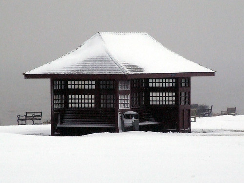 Snow covered Greensward Shelter shivers following heavy overnight snow at Frinton On Sea (1007) Sunday 5th February 2012