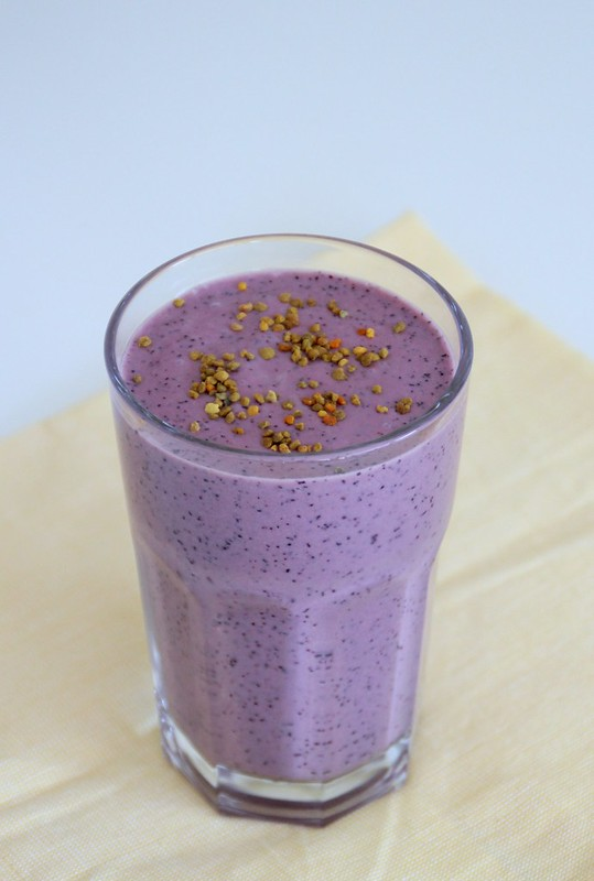 Blueberry Bee Smoothie 2